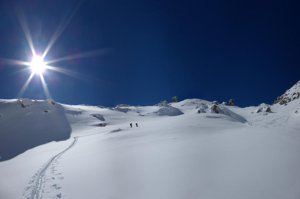 Chli Bielenhorn, ski tour, breaking powder