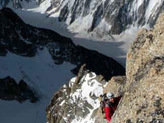 The final scramble to the summit of Aiguille du Chardonnet